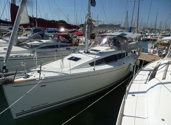 **yachting-direct** Delphia31-photo 10