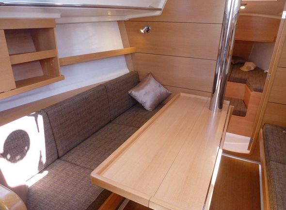 **yachting-direct** Delphia31-photo_7